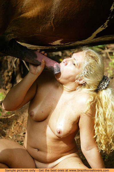 Zoo Sex Nice Farm Girl Sucking A Biggest Stallion Dick-5683