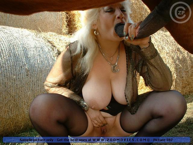 Zoo Sex Busty Sexy Woman Suck And Fuck A Huge Horse Cock-8355