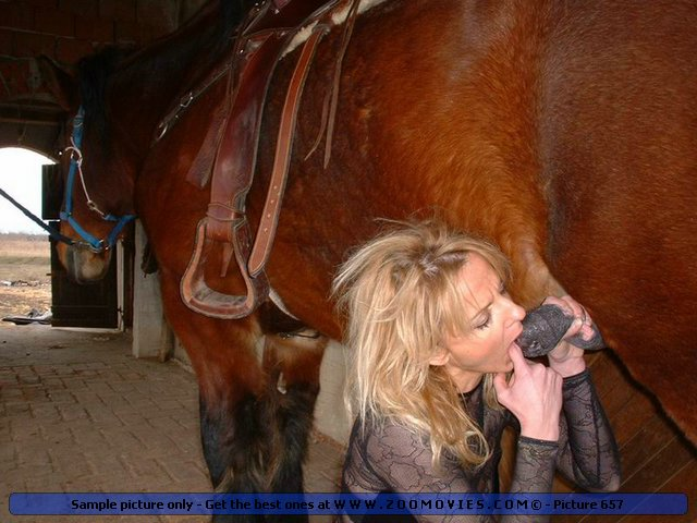 Zoo Sex Nice Farm Girl Sucking And Drinking Horse Cum-5518