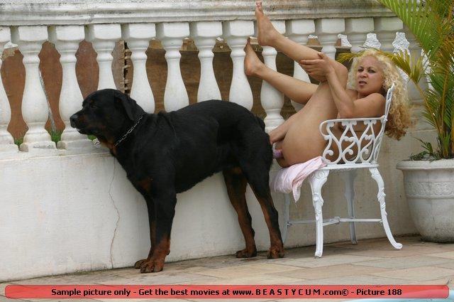 Big ass sex with dog